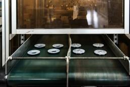 Co stampaggio di materiale plastico con inserti metallici